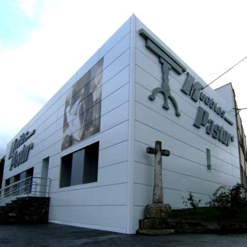 fachada corporativa Muebles Pastor