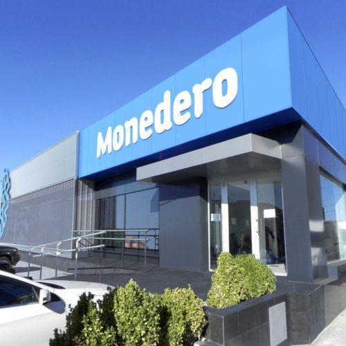 Revestimiento de fachada corporativa Monedero